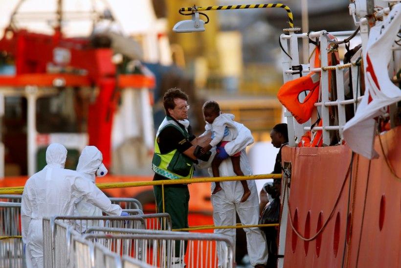 Malta lubas vastumeelselt Aafrika põgenike päästelaeval randuda