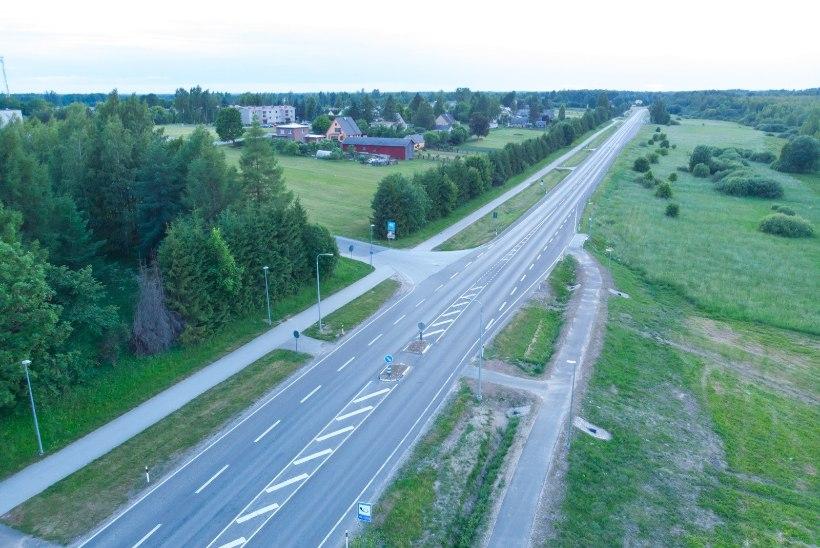 VIDEO | Kose maanteelõigu ehitus on naaberkülast teinud kallurite läbisõiduhoovi