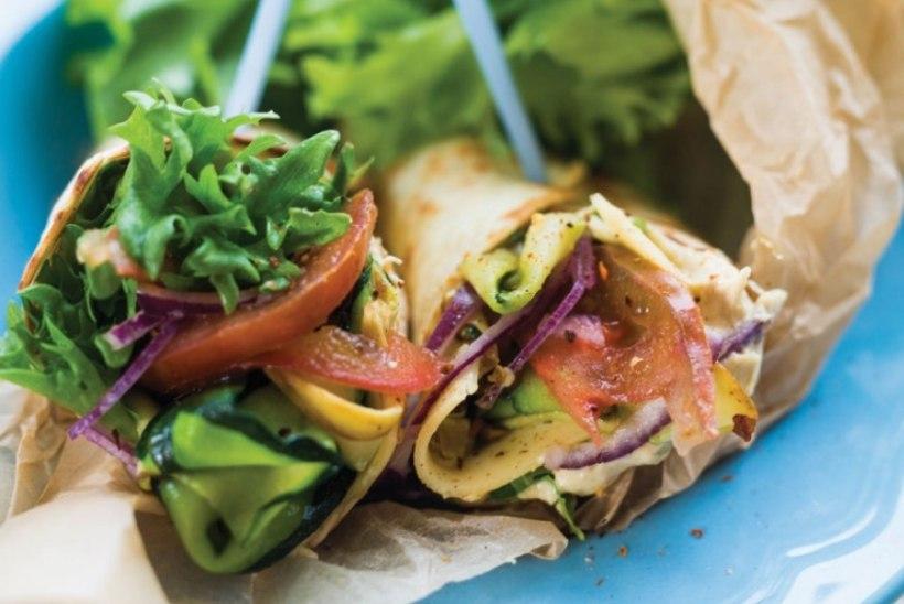 RETSEPT | Vrapp grillitud suvikõrvitsa ja hummusega