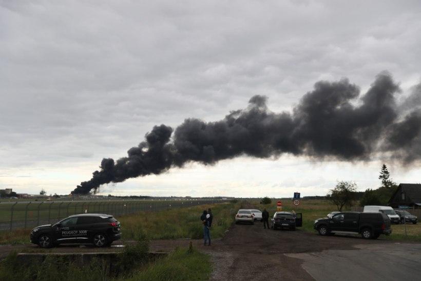 GALERII ja VIDEO | Suur-Sõjamäel süttis jäätmekütuse tehas, päästetöid segasid plahvatavad õlitünnid