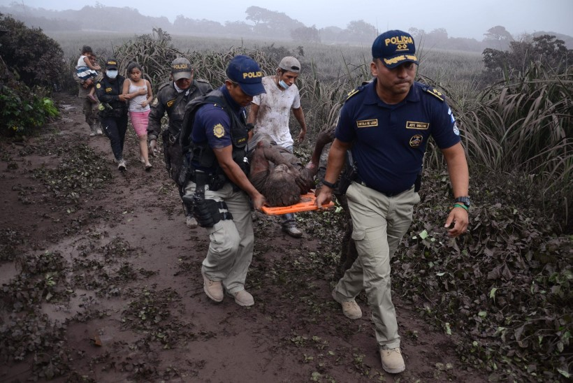FOTOD JA VIDEO | Tragöödia Guatemalas: vulkaan Fuego on nõudnud kümneid inimelusid