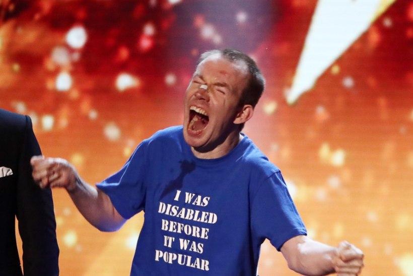 VIDEO | Briti talendisaate võitjaks kuulutati kõnevõimetu koomik