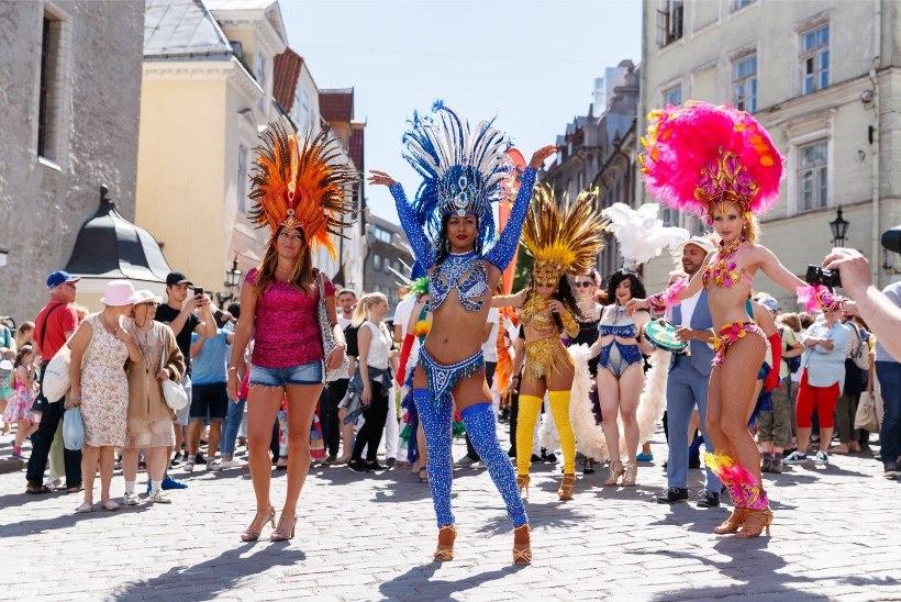 GALERII | Tallinna vanalinn muutus eksootiliseks sambakarnevaliks