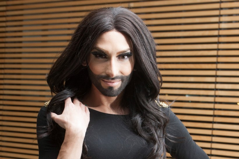 TOTAALNE MUUTUMINE: Conchita Wurst on nüüd valge kui luik!