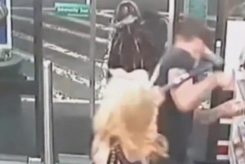 Austraalias mõistetakse kohut inimesi kirvega rünnanud naise üle