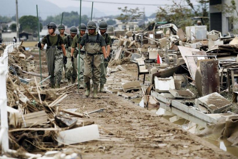 199 HUKKUNUT: Jaapanis kasvab tulvaohvrite arv
