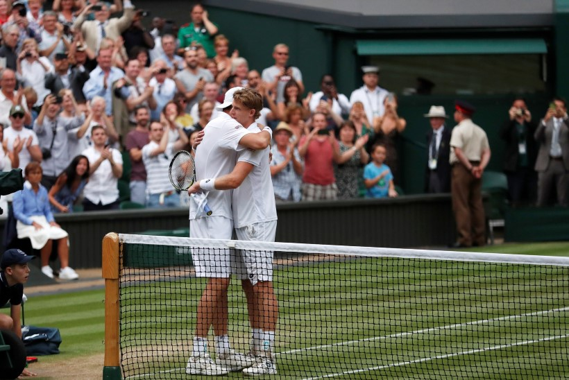 Uskumatu poolfinaal Wimbledonis! Võitja selgitamiseks kulus 99 geimi, viimane sett 26:24!