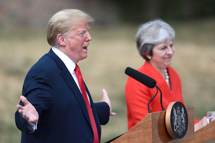Trump nimetas iseenda antud intervjuud Theresa Mayst võltsuudiseks
