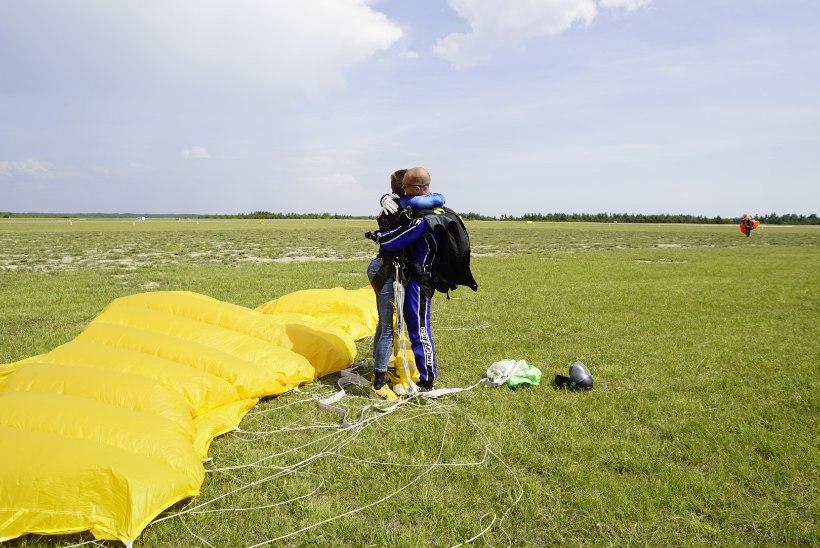 GALERII | Uudo Sepp hüppas langevarjuga: see oli ebareaalne, kindlasti tahan ma veel hüpata!