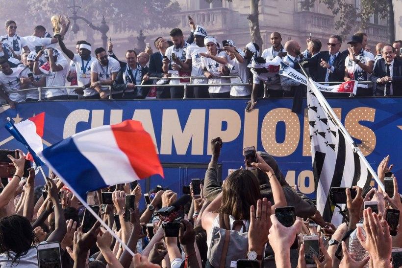 FOTOD JA VIDEO | Kuldse Prantsusmaa koondise suurejooneline vastuvõtt