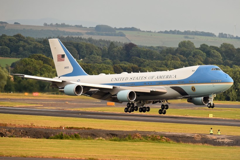 Trump ostab 3,9 miljardi eest uut värvi Air Force One lennukid