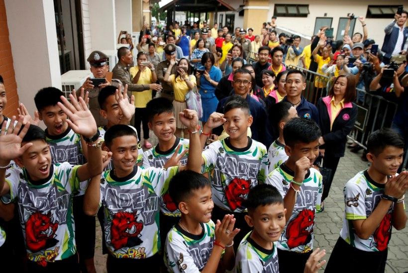 ÜHEKSA PÄEVA SÖÖGITA: Tai jalgpallipoisid rääkisid üleelamistest koopas