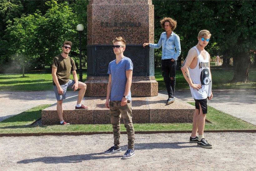 ÕL VIDEOINTERVJUU | Noortebändi poolfinalist Musteri kitarrist näitab, kuidas kätekõverdusi teha