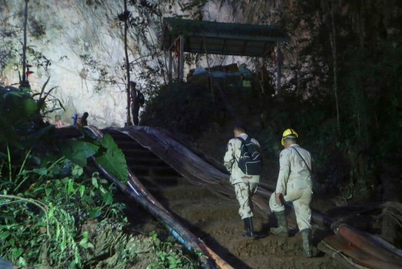 Päästjaid ja koopasse lõksu jäänud poisse lahutab vähem kui kilomeeter?