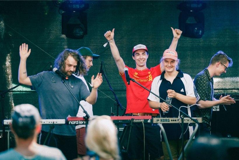 ÕL VIDEO JA GALERII | Positivusel esinenud bänd Mees Inc. fännidele: võtke õlut ja pange naisi!
