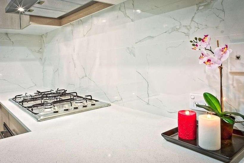 Õhupuhastaja valimine avatud köögiga korterisse