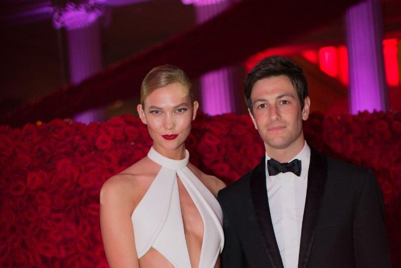 Supermodell Karlie Kloss kihlus Ivanka Trumpi mehevennaga