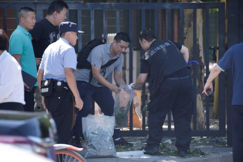 Pekingis asuva USA saatkonna juures plahvatas väike lõhkeseadeldis