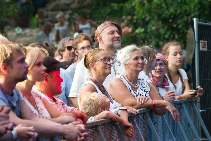 GALERII | The East Pointersi solist Viljandi folgil: tere tere, vana kere