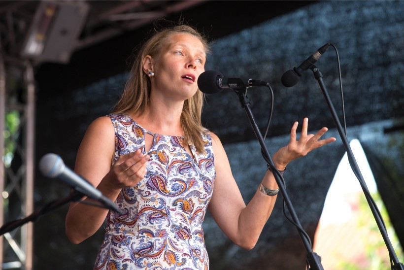 GALERII | Lepaseree solist Meelika Hainsoo Viljandi folgil: tahaks teid kõiki sülle võtta