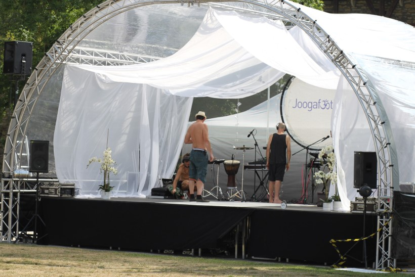 PILDID | Haapsalus avati Joogafestival