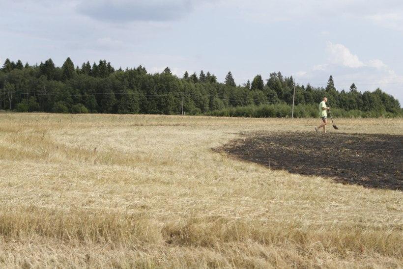 GALERII | Autojuhid aitasid tulekahju kustutada