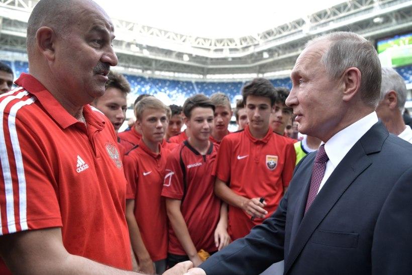 Venemaa jalgpallikoondisega imet teinud treeneri lepingut pikendati