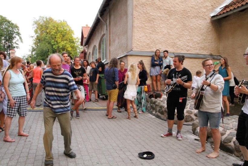 NAISTELEHE GALERII: vaata, kuidas möödus tänavune Viljandi folk!
