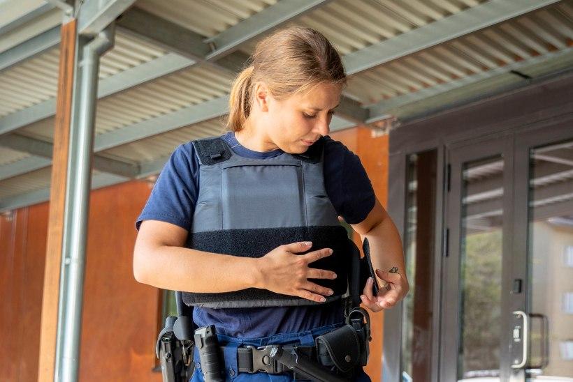 ÕL KATSE | Kuidas suudavad täisvarustuses päästjad ja politseinikud töötada põrgukuumuses?