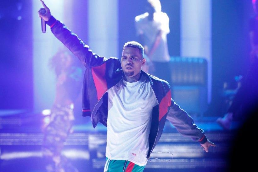 Räppar Chris Brown võeti kallaletungi eest vahi alla
