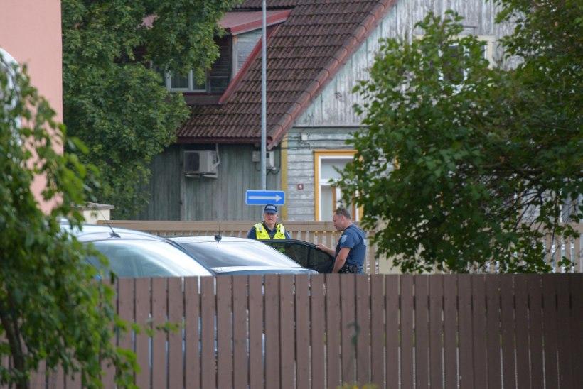 FOTOD | Hedvig Hansoni maja süüdanud mehele esitati kahtlustus mõrvakatses