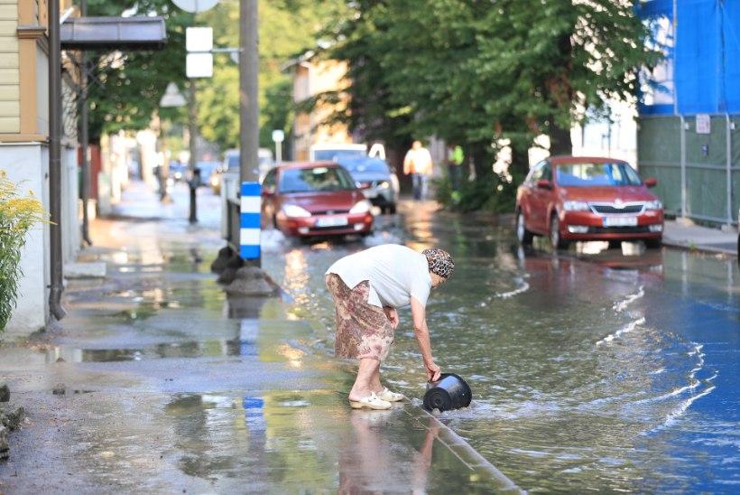 GALERII | Tallinnas Tööstuse tänaval lainetas vesi