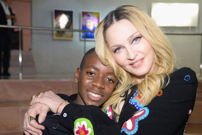 """Madonna sõnul on ta täiesti tavaline """"jalgpalli-ema"""" ja loodab, et ta pojast saab järgmine Cristiano Ronaldo"""