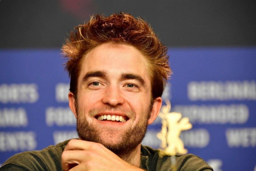 Robert Pattinsonil on suhe kuuma modelliga