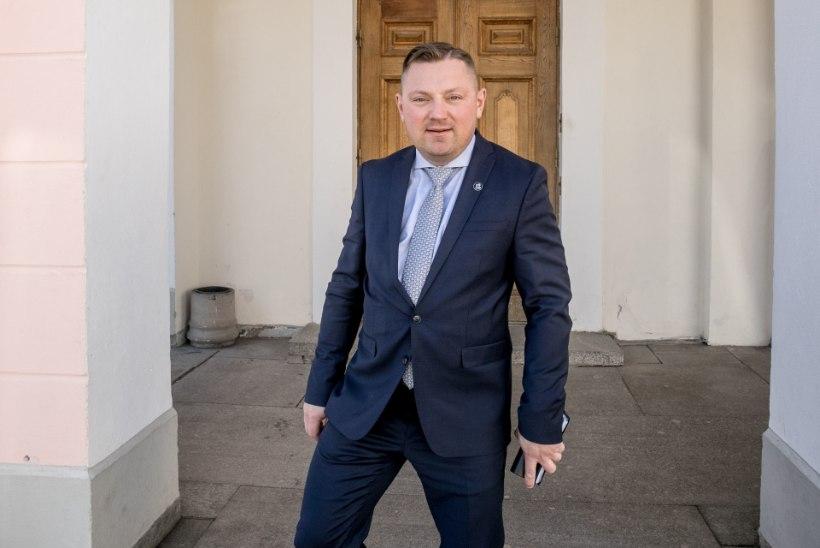 LOE ÕHTULEHEST: Deniss Boroditši esimene kiri kõigile alluvatele