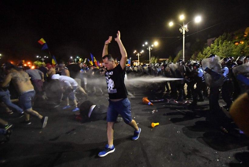 Rumeenias toimunud meeleavaldustel sai viga üle 400 inimese