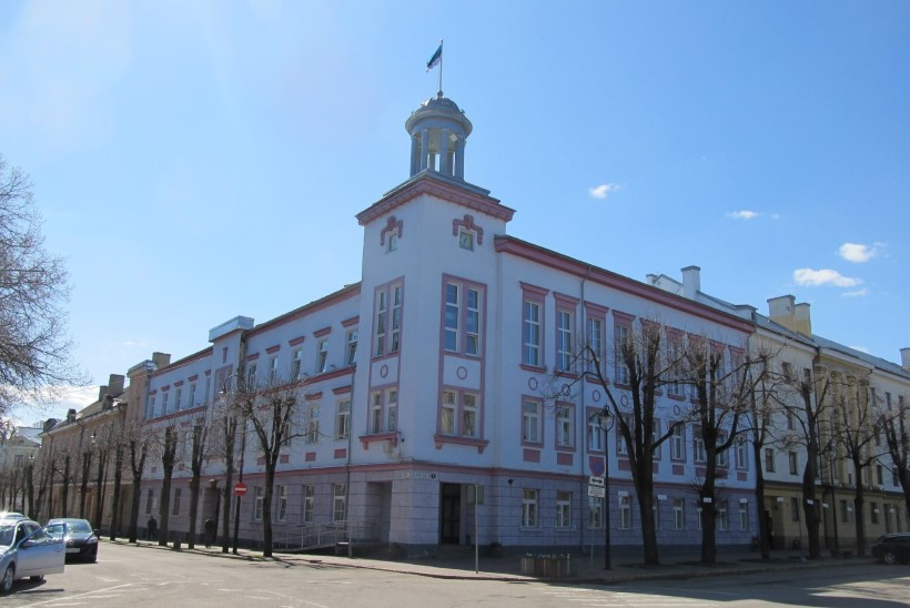 Kahtlustus on esitatud juba kaheksale Narva linnavolikogu liikmele