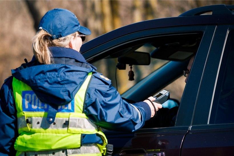 28 joobes juhti otsustasid eile rooli istuda, ent jäid politseile vahele