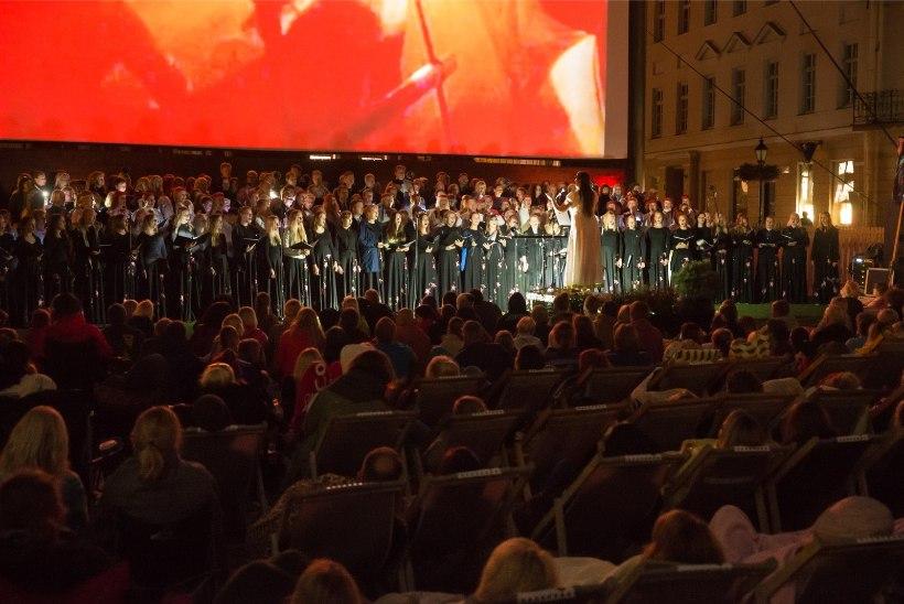 GALERII | PÖFFi armastusfilmide festivali Tartuff avaüritust külastas ligikaudu 2400 inimest