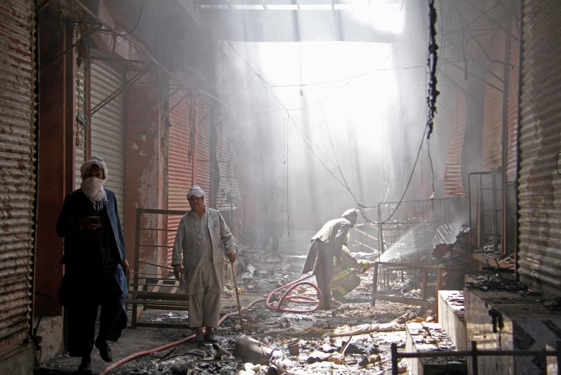 TERRORISTIDE JÕUNUMBRID: Taliban hoidis tervet linna viis päeva pantvangis