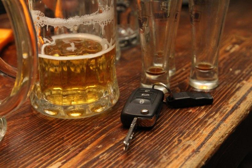 Noortekamp varastas Tartus autovõtmeid