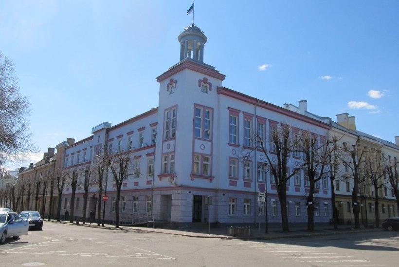 Narva volikogu juhiks võib pürgida kuriteokahtlustuse saanud volinik