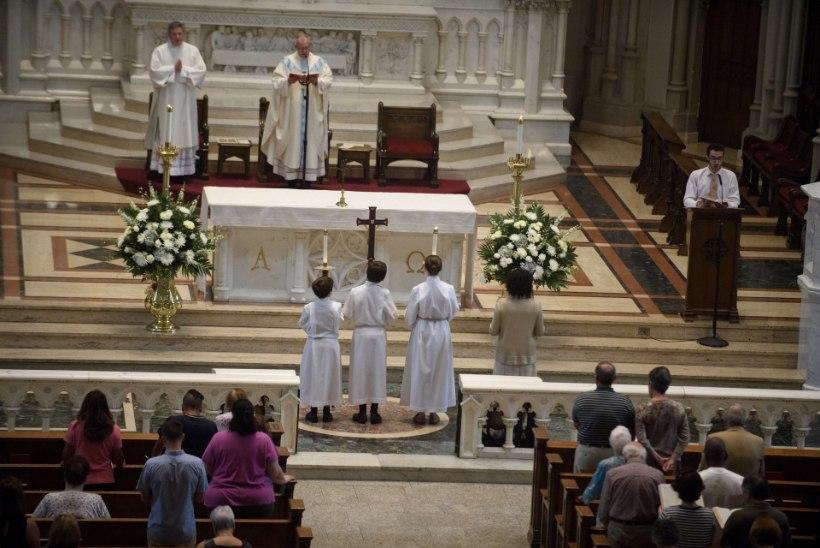 Vatikan palub pedofiilpreestrite ohvritelt vabandust, kuid ei vallanda kedagi