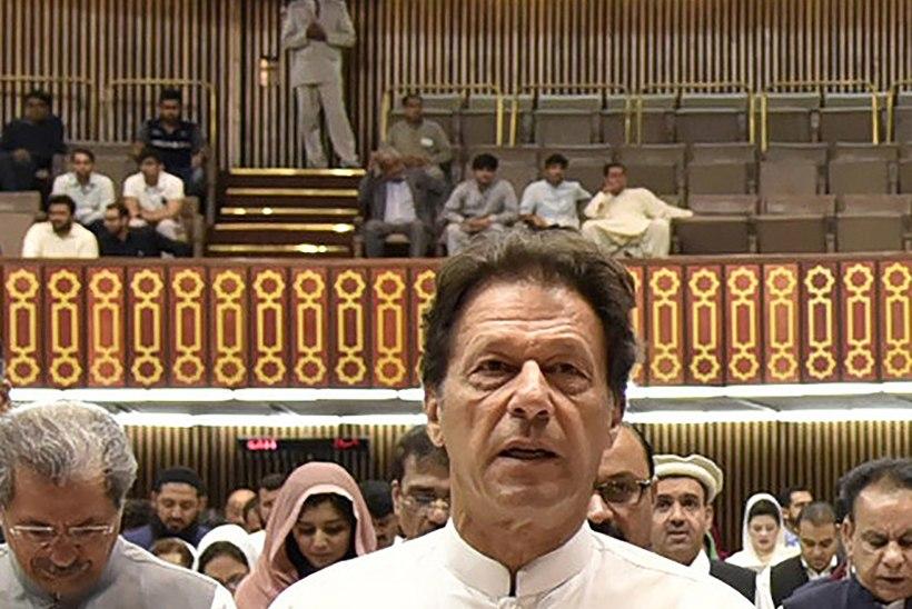 Pakistani uueks valitsusjuhiks sai kriketimängijast seelikukütt