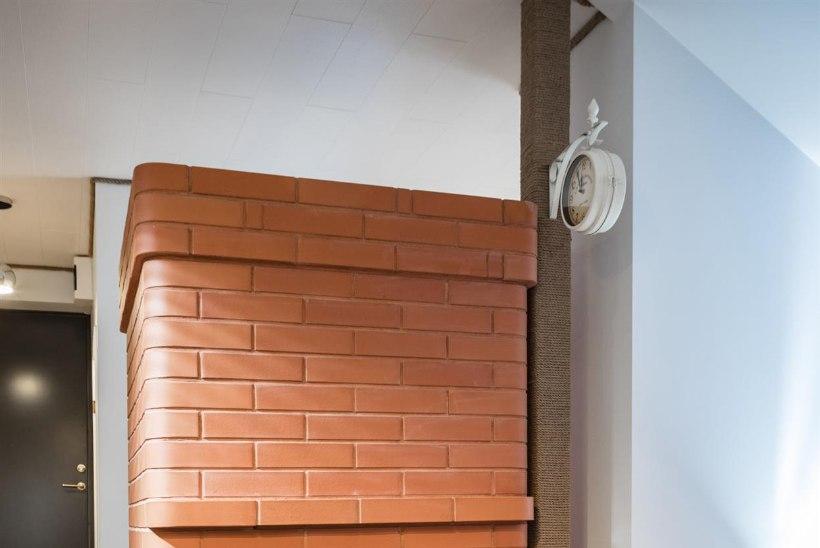 INSPIREERITUD SINISEST: türkiissinisega korter vanas kõrtsihoones
