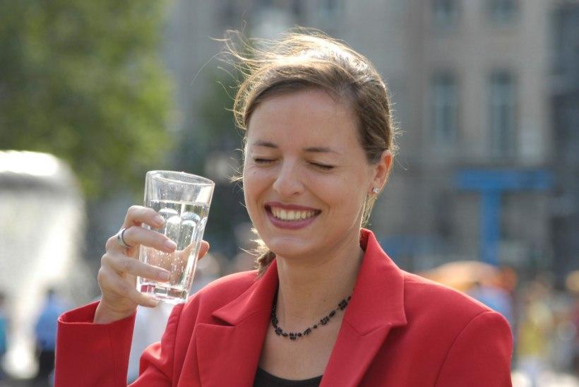 LUGEJA: MMSi asemel võiksin ravida inimesi ka tervendava kraaniveega