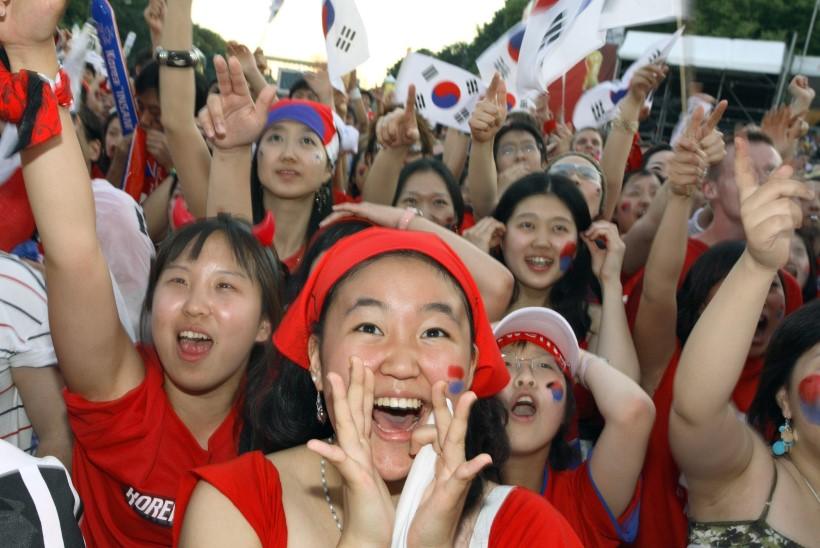 RAHVAS ÕNNELIKUKS: Lõuna-Korea valitsus plaanib karistada tööandjaid, kes liiga pikki tööpäevi nõuavad