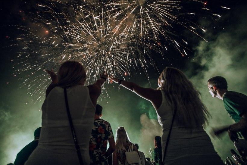 GALERII | Weekendi esimese päeva lõpetas võimsa peoga Axwell /\ Ingrosso