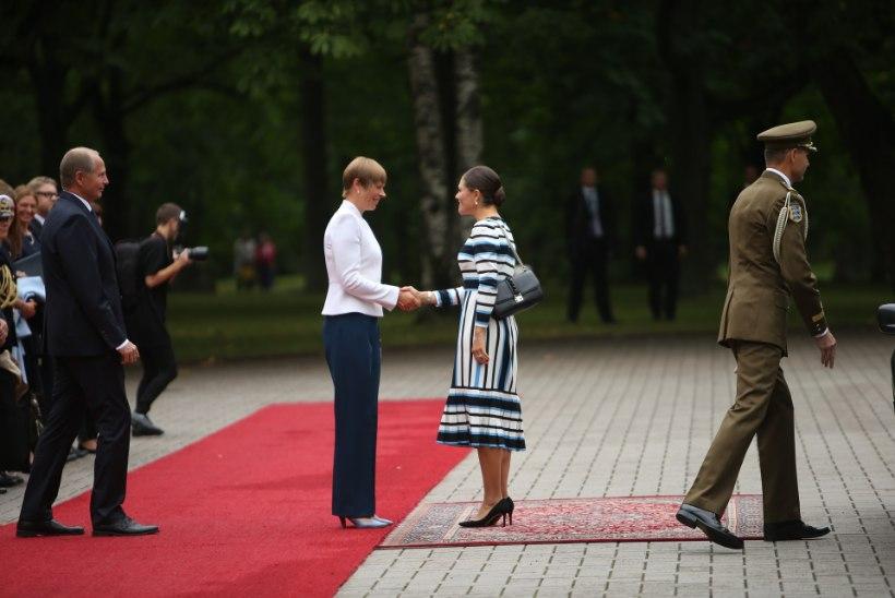 Kleidist, mis presidendi riideid vahetama pani...