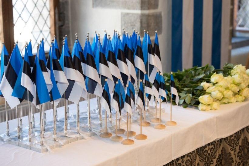 GALERII | Tallinna raekojas tervitati uusi Eesti kodanikke